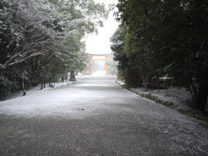 Best of luck: Usa shrine reached by long entrance paths, looks especially pretty in a snowstorm